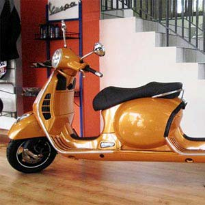 Stretched Vespa