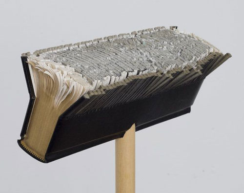 Britannica Broom
