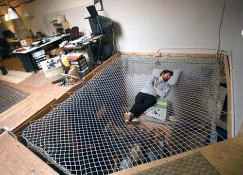Mesh Suspended Hammock » Funny, Bizarre, Amazing Pictures & Videos