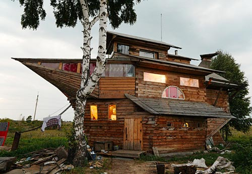 House Made In The Shape Of A Ship