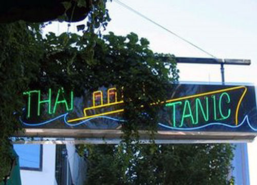 Thai Food Titanic Resaurant Sign