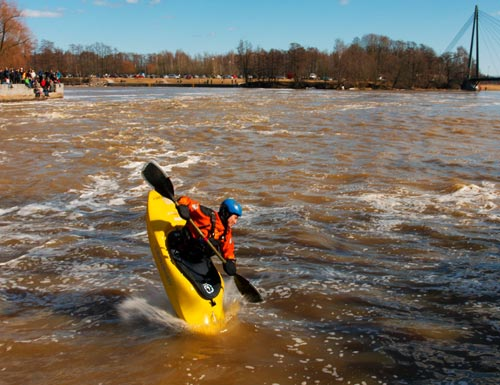 Kayak Jumping