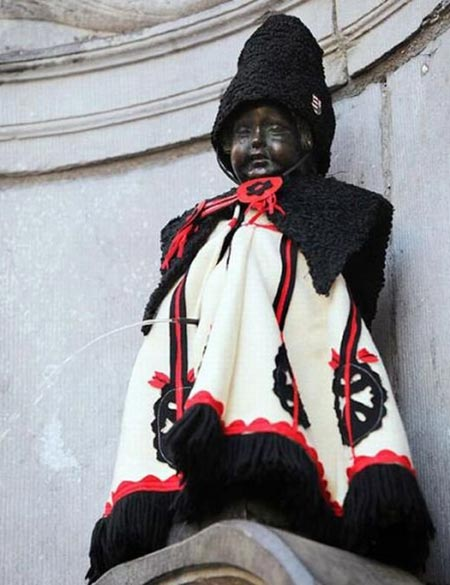 Manneken Pis Dressed In Ancient Indian Costume