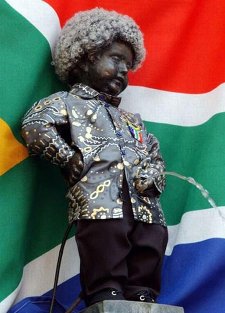 Manneken Pis Dressed As Nelson Mandella